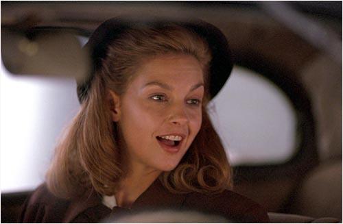 Ashley Judd stars as the young Vivi.
